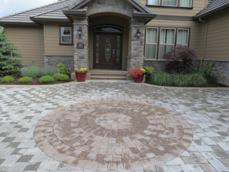 Unique ideas with pavers and concrete
