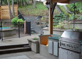 Outdoor Fire Pit and BBQ